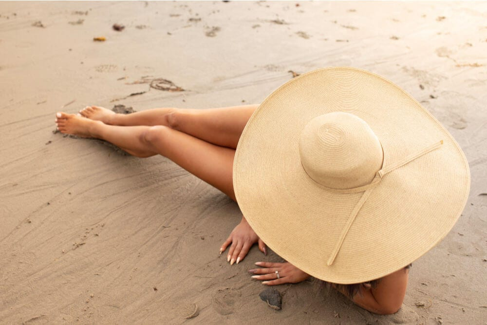 Self-Tanner Routine for Long Lasting Tan - Leg Tans in the beach